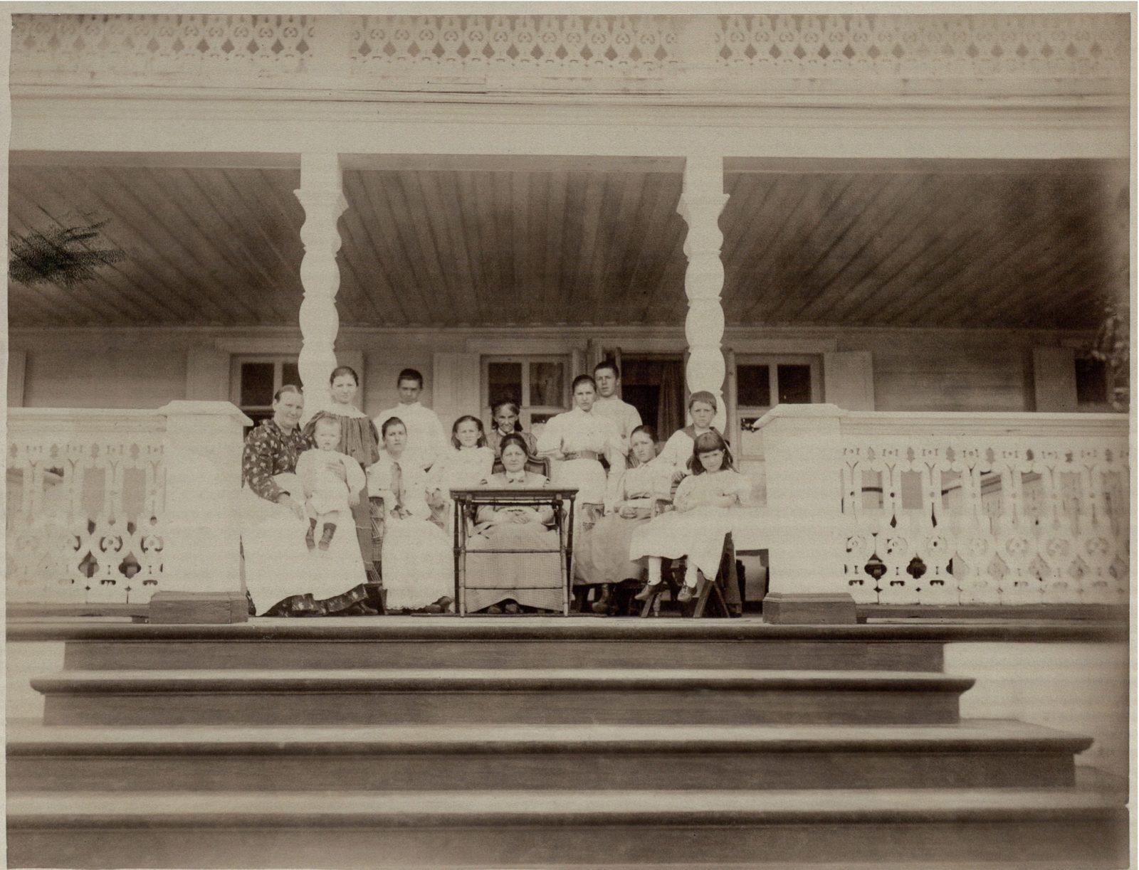 "Outskirts of Vladimir. The estate of Karpov ""Sushnevo"". November 27, 1912. Anna Timofeevna Karpova with kids.."