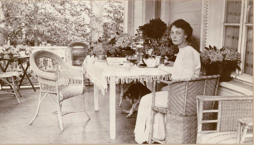 """Outskirts of Vladimir. The estate of Karpov """"Sushnevo"""". November 27, 1912. V.N. Guchkova&"""