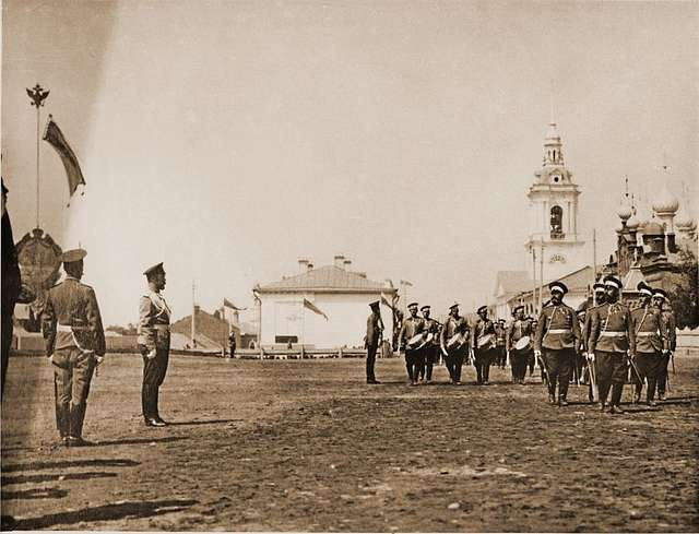 Emperor Nicholas II receives a guard of honor from the 183rd Pultussky Infantry Regiment. Kostroma.