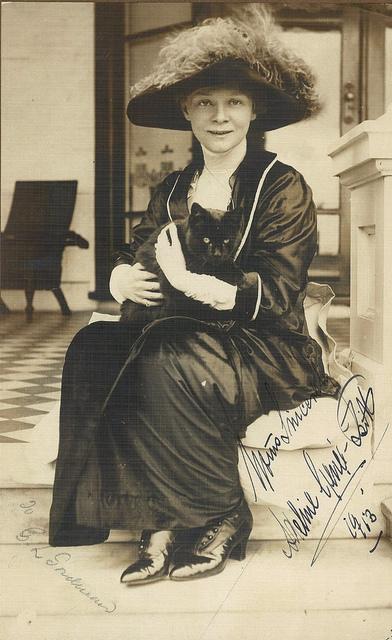 Danish ballerina Adeline Genee, Sydney, 1913 / photograph by May & Mina Moore