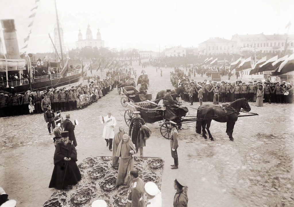 Grand Duchess Elizaveta Feodorovna at the Cathedral quay. 1913
