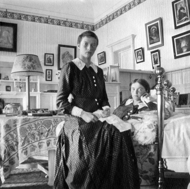 Grand Princess Tatiana Nikolaevna and Olga Nikolaevna. 1913 year.