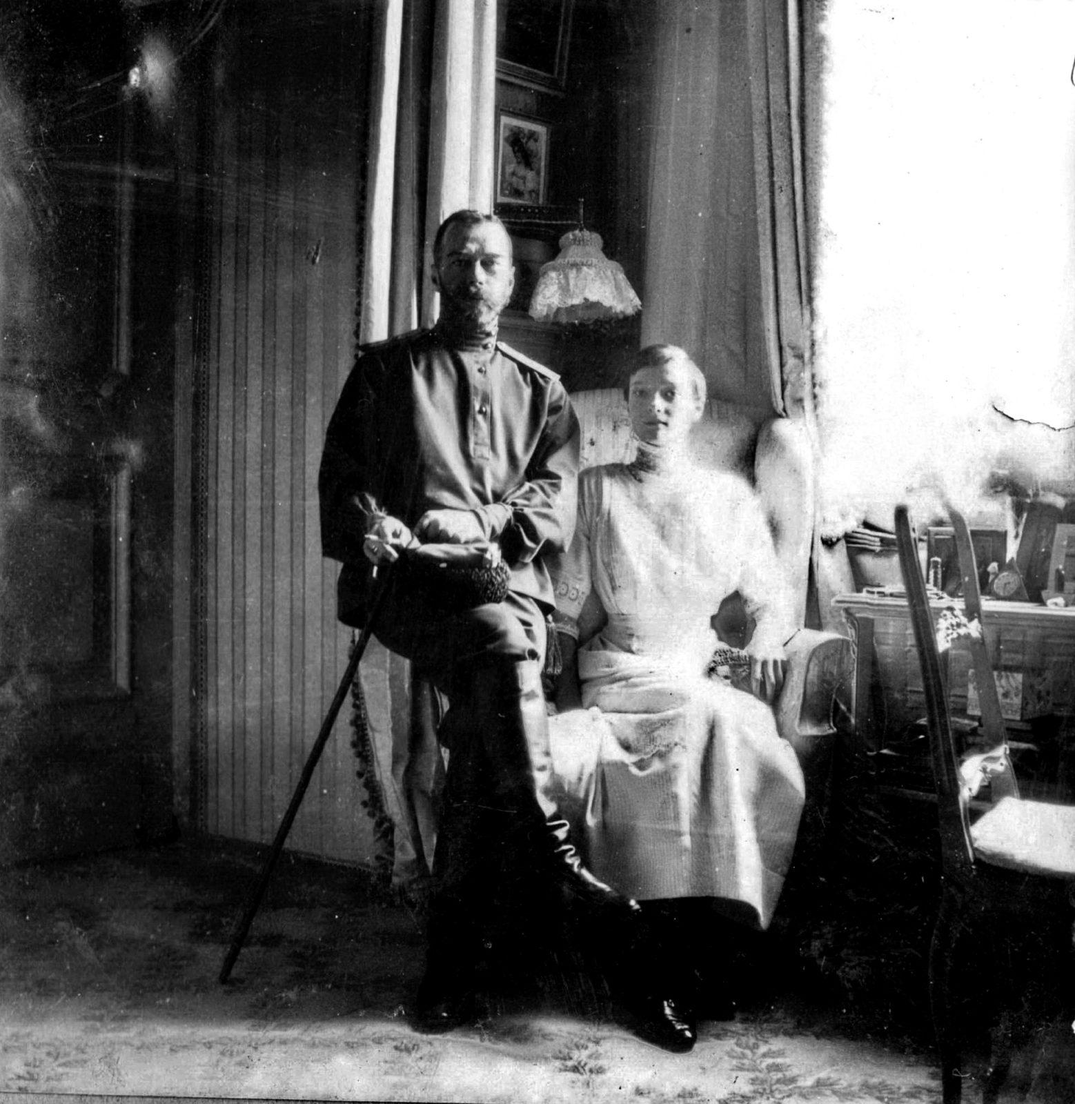 Nicholas II with Grand Duchess Tatiana. Alexander Palace.1913.