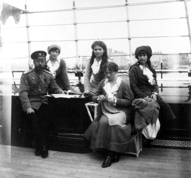Emperor Nicholas II with daughters, 1914