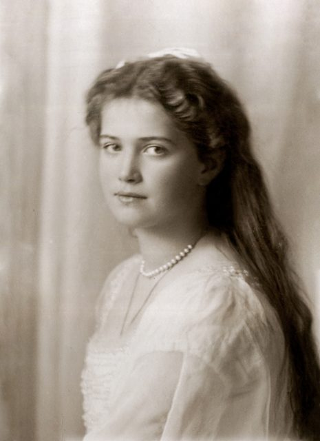 Grand Duchess Maria Nikolaevna. The third daughter of Emperor Nicholas II and Empress Alexandra Feodorovna. At home. Photo of 1914 year.