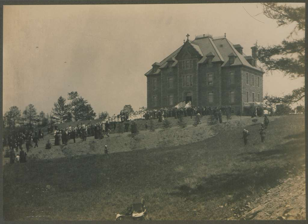 Reception of the Papal Delegate, Chatham, New Brunswick, 8 June 1914 (HS85-10-28939D)