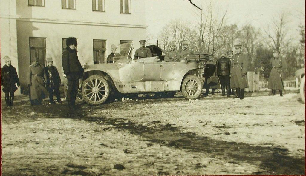 Grand Duke Alexander Mikhailovich visits the 6th squadron of heavy bombers Ilya Muromets.