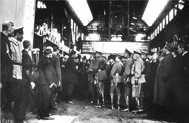 Nicholas II in Bezhetsk. April 15, 1915.