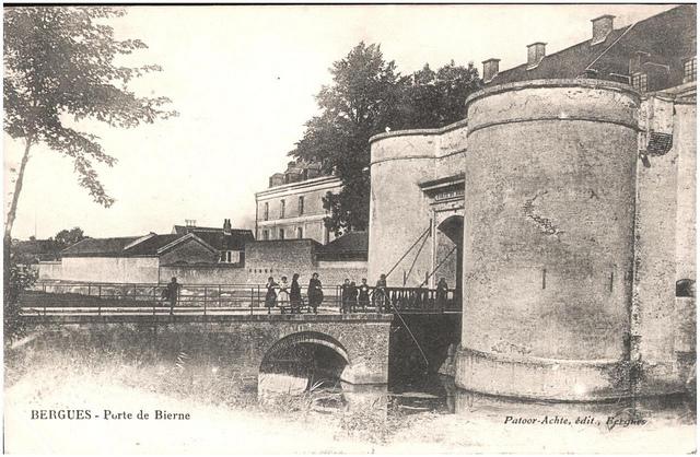 Postcard: Bergues - Porte de Bierne, sent Jan 1915