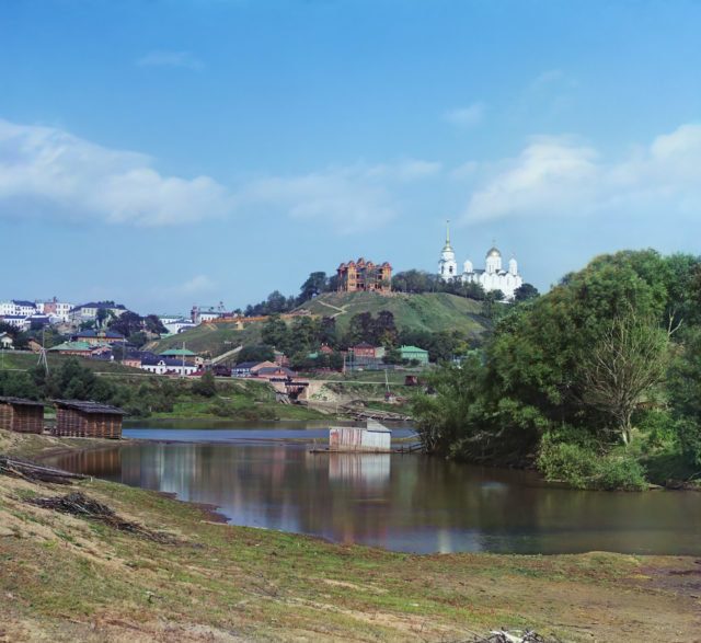 View of the city with the Assumption Cathedral from the river.