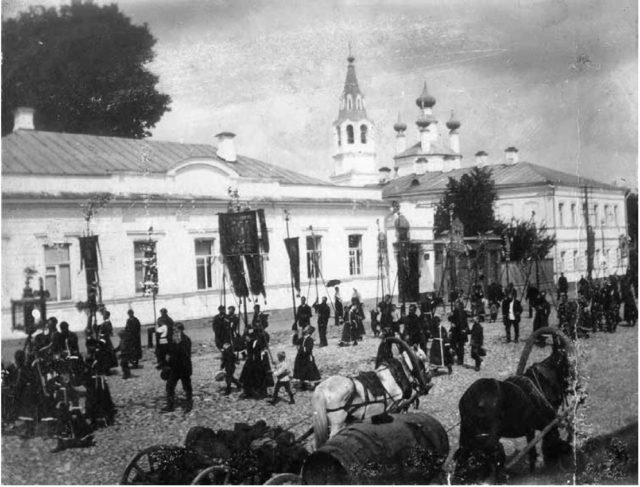 Vladimir, Russia - Procession at Bolshaya Nizhegorodskaya Street.