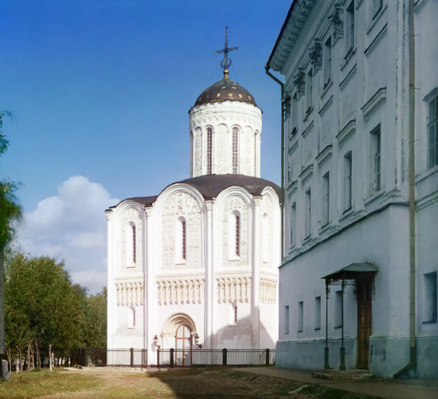 Vladimir - Dmitrievsky Cathedral. color
