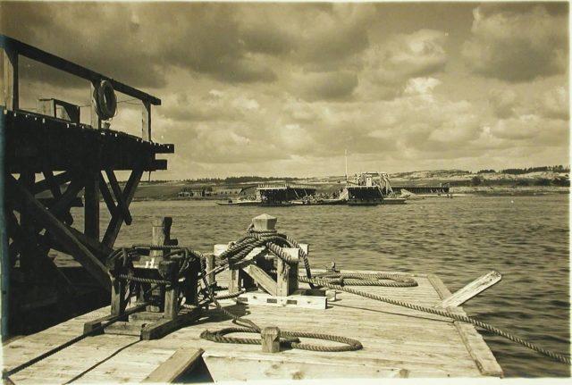 """Dnepr River Views. Steamer """"Golovachev."""" 1916."""