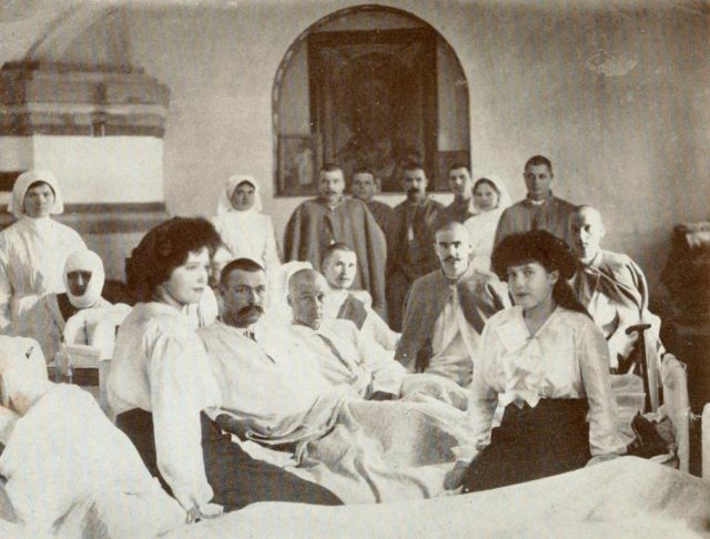 Imperial family visit the infirmary hospital in the town of Fedorov