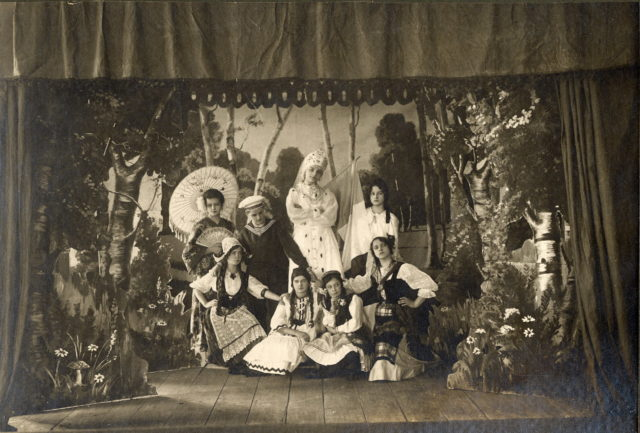 """The living picture Antanta """". Students of the Murom women gymnasium"""
