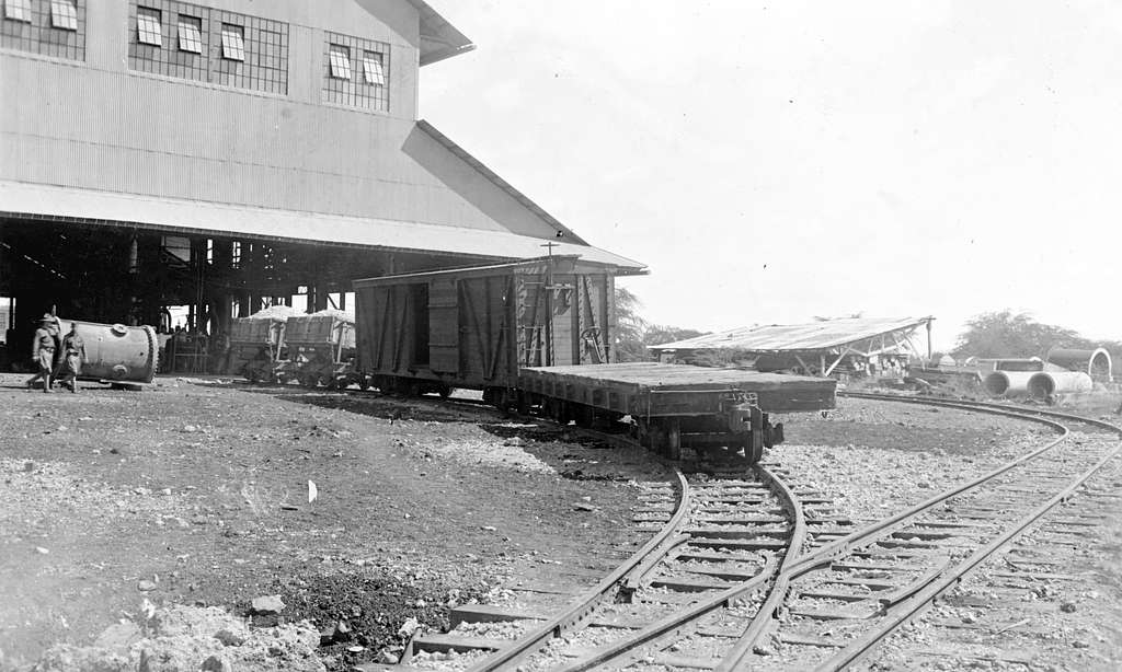U.S. Naval Station Pearl Harbor foundry with railraod cars, 11 September 1917 (NH 118058)