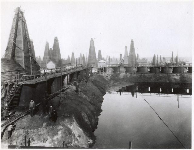 Baku, Balakhani. Oil production