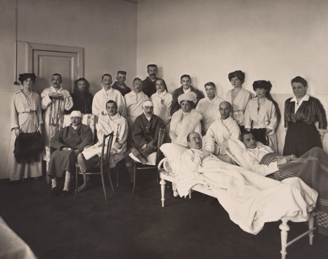 Empress Alexandra Feodorovna and Grand Duchesses in the hospital for the wounded, 1915-1917