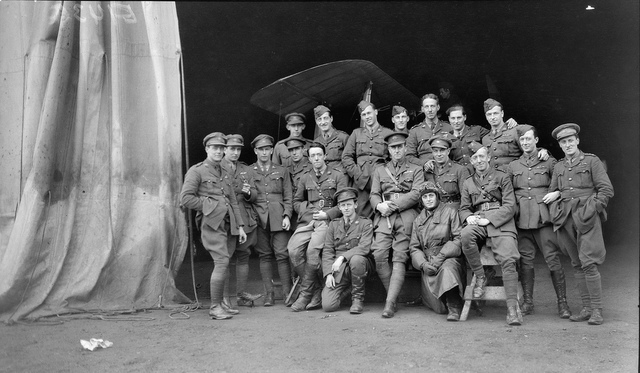 Group portrait members of the 68th Squadron, Australian Flying Corps