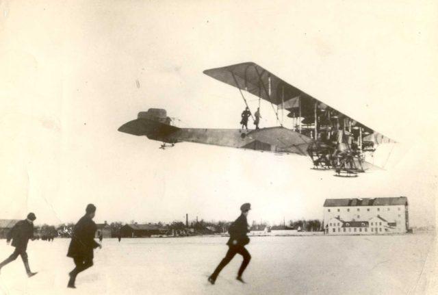 Heavy bomber Ilya Muromets series B in flight