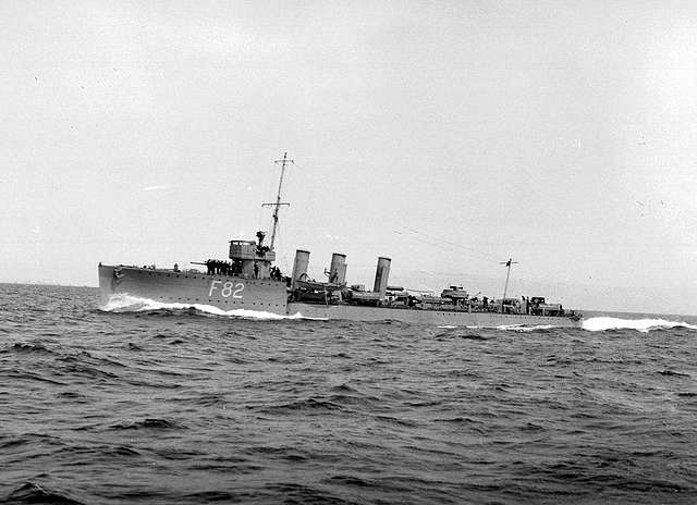 HMS Thisbe at sea