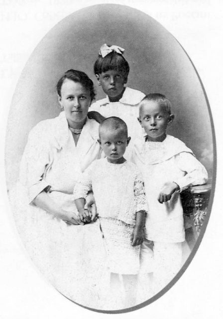 Jan Soberg - family portrait