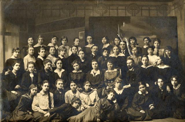 Murom, Mikhailovna Yakovleva in a group of students