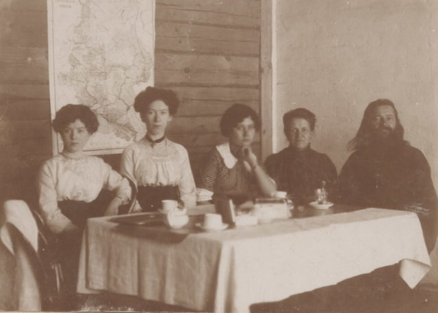 Murom, Primary school teachers along Sadovaya street. 1910s