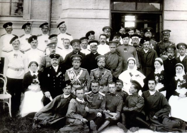 Nicholas II with officers, 1914-1917