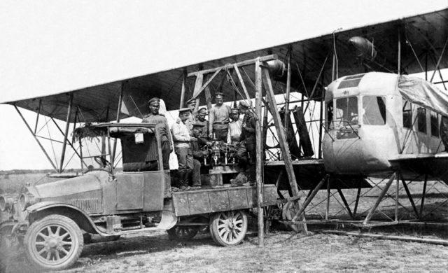 Replacing engine on Heavy bomber Ilya Muromets