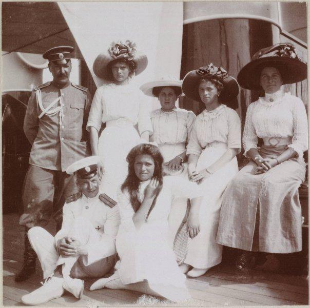 Romanov daughters on yacht