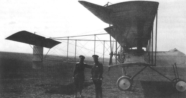 Russian pilots near the scout plane designed by Ivanov.