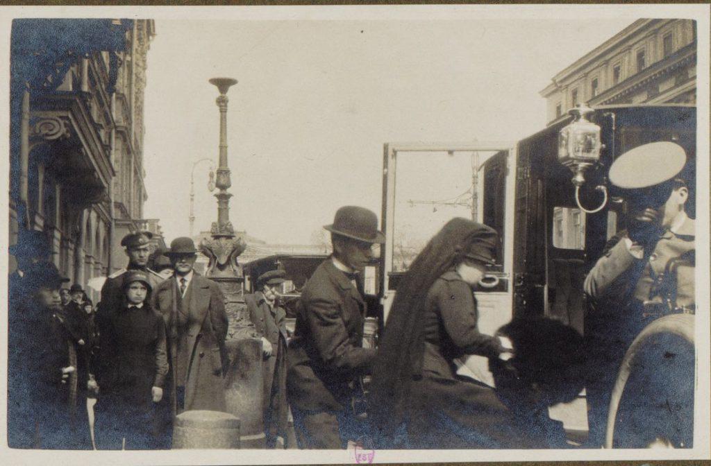 Saint Petersburg ,1917. Albert Thomas in Russia.