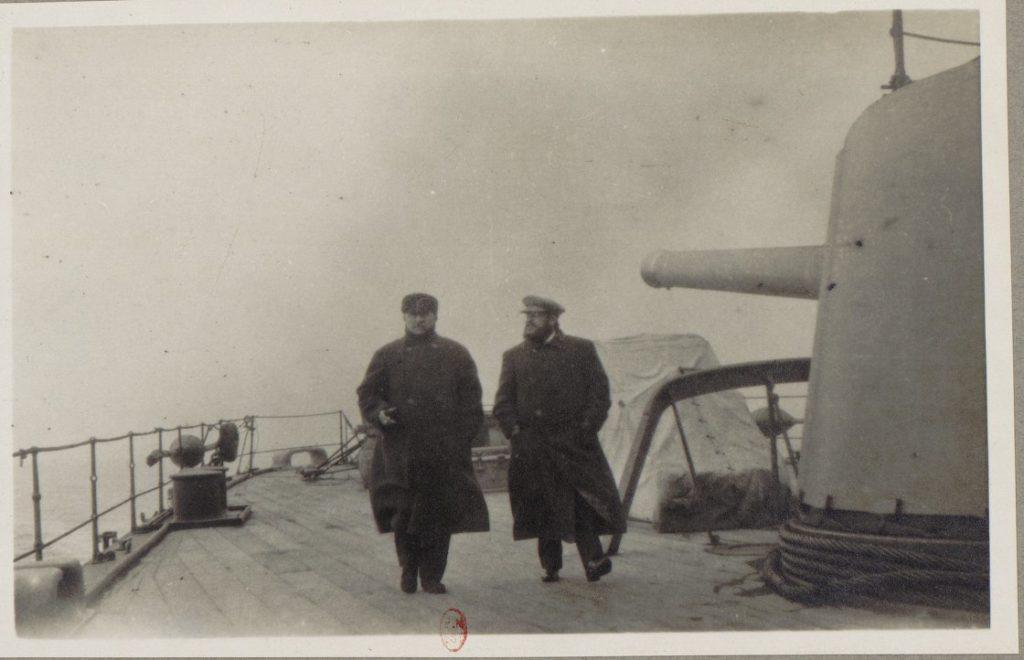 Socialist Albert Thomas with captain of HMS Roxburgh, 1917