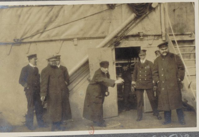 Socialist Albert Thomas travels to Russia on board of HMS Roxburgh, 1917