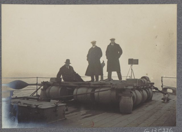 Albert Thomas travels to Russia on board of HMS Roxburgh, 1917
