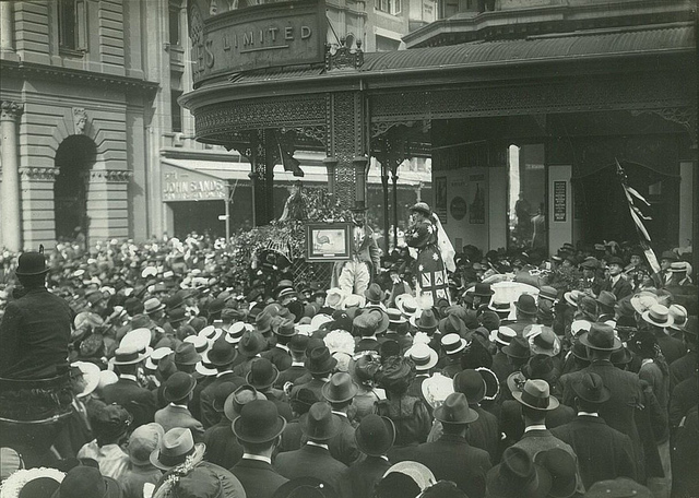 War recruitment meeting ? outside David Jones, George Street, Sydney, between 1914-1918 / photographer unknown