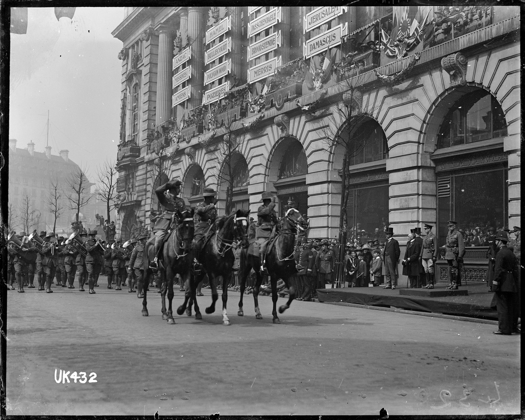 Mounted officers and an Australian military band on parade, London, 1919