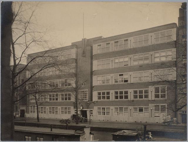 Kantoorgebouw Geneeskundige Dienst | Public Health Service Office Building