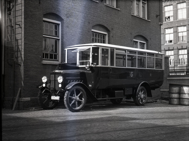 Bus in Amsterdam 1922