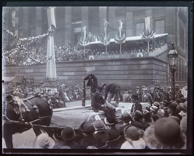 Preston Guild parade and Harris Museum, 1922 - image #3