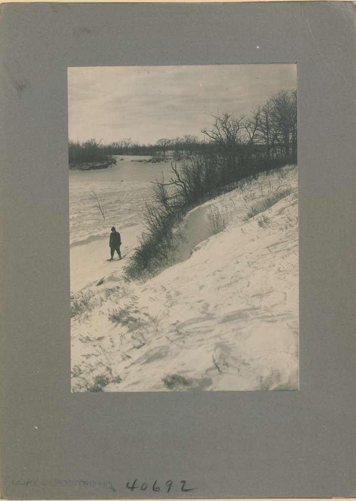 Winter, crisp and clear (HS85-10-40692)