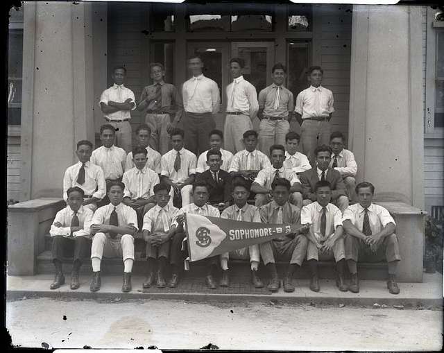 Sophomore Class, Saint Louis College, sec9 no2249 0001, from Brother Bertram Photograph Collection