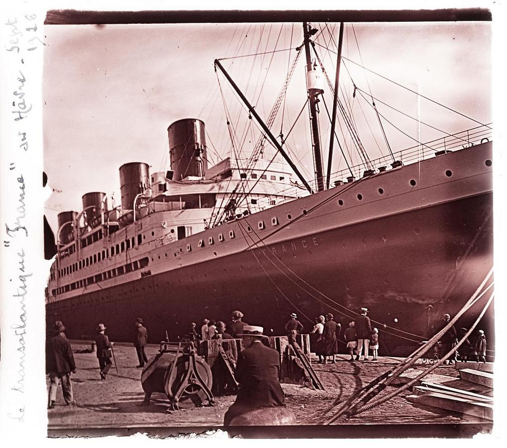 """Transatlantic ship """"France"""" at Le Havre, Sept 1926 #2 (crop)"""