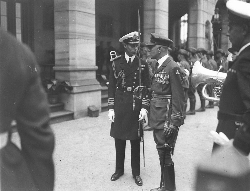 The Duke of York, in captain's uniform, meets decorated officer of the Flying Corps, Geoffrey F. Hughes, Government House, Sydney, 1927 / Sam Hood
