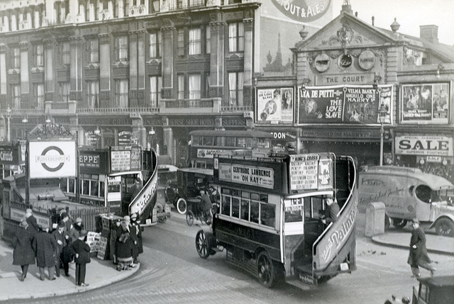 Tottenham Court road in London 1927