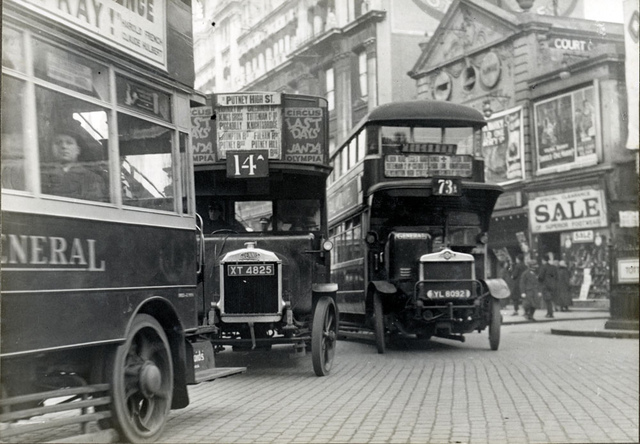 Traffic in London in 1927