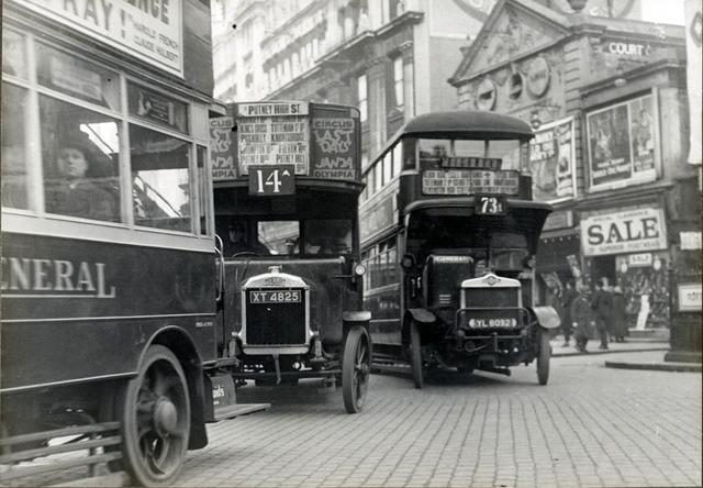 Traffic in London in 1927