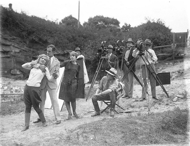 "William Reed filming ""The Romance of Runnibede"", Sydney, 1927 / Sam Hood"