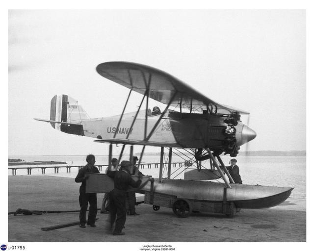 Wright WF3W-1 Apache